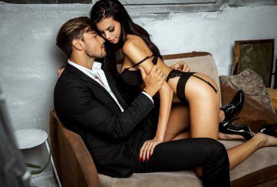 Couple having fun in Brussels swinger club